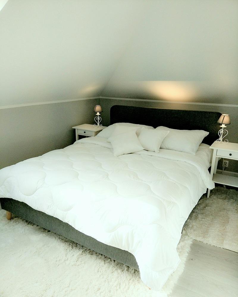 Künstlerisch übergroße Bettdecke Foto Von Neu Hochwertige Kassetten